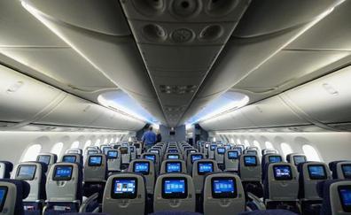 ¿Las aerolíneas separan a las familias para que paguen más dinero por el vuelo?