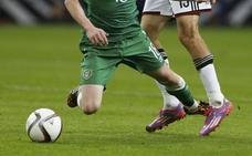 Un club irlandés 'mata' a un futbolista español para no jugar un partido