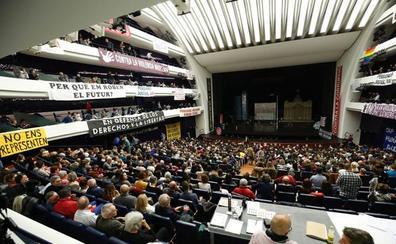 Les Arts se convierte en escenario de protestas políticas con 'La flauta mágica'