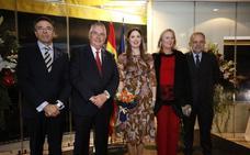 María Chaqués estrena el reinado dels Jocs Florals de Lo Rat Penat