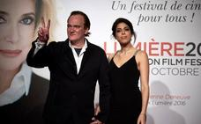 Quentin Tarantino se casa con la modelo Daniella Pick