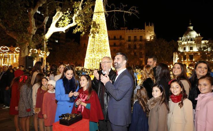 Encendido de las luces de Navidad en Plaza del Ayuntamiento de Valencia