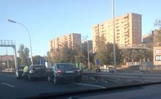 Dos accidentes complican los atascos en dos de las principales autovías de acceso a Valencia