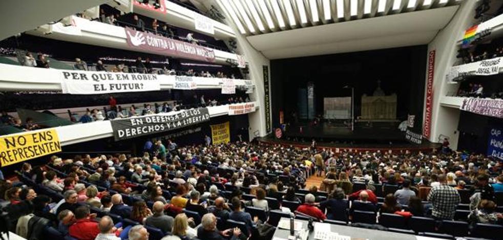 El ministro de Cultura asiste al estreno de 'La flauta mágica' en Valencia