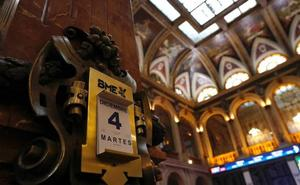 El Ibex-35 cede un 1,28% lastrado por la banca