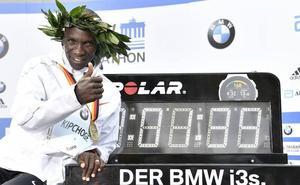 Kipchoge, plusmarquista mundial, felicita al Maratón de Valencia