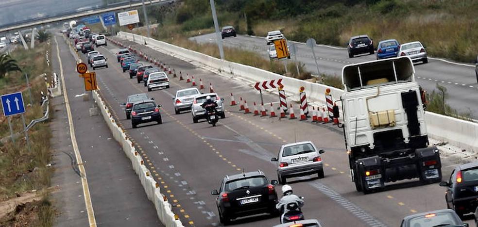 El Gobierno admite que el «deterioro paulatino» de las carreteras valencianas influye en el aumento de accidentes