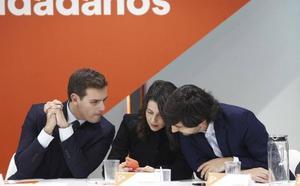 Ciudadanos se debate en la duda de pactar con Vox
