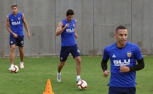 Rodrigo se apunta, Guedes en el aire