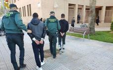 La Guardia Civil de Oliva arresta a dos hombres por agredir y robar a una persona con movilidad reducida