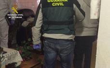 Cinco detenidos en Paterna del Río acusados de matar a un hombre de un tiro y abandonarlo en una cuneta