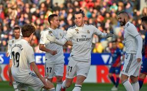 Bale y Courtois rescatan al Madrid en El Alcoraz