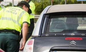 Un conductor pillado por la Policía da positivo en todas las drogas del test de tráfico
