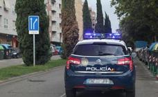 Rocía con gas pimienta a un joven para robarle el móvil en Valencia