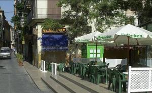 Los hosteleros cargan contra el Consistorio por el recorte del horario de terrazas en El Carmen