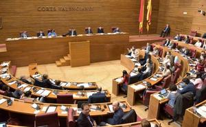 Los grupos de Les Corts manejan 14 millones sin control