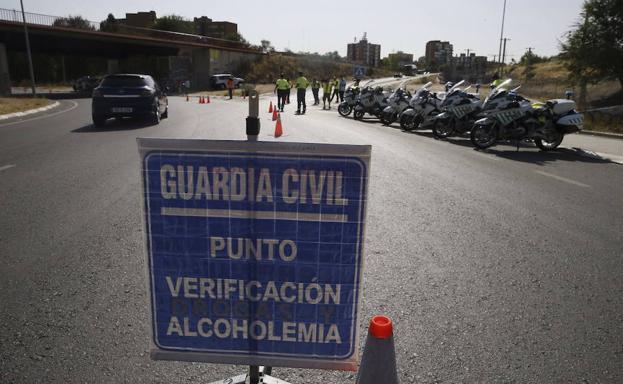 Cuál es la tasa de alcohol máxima permitida: cuánto puedo beber, multas y puntos que quita la DGT