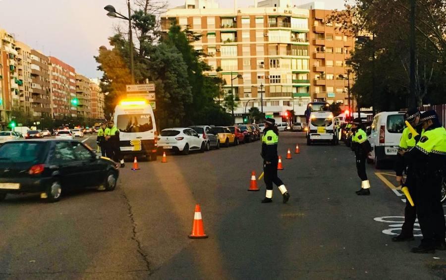 La Policía Local de Valencia empieza la campaña de controles de alcohol por las cenas de Navidad