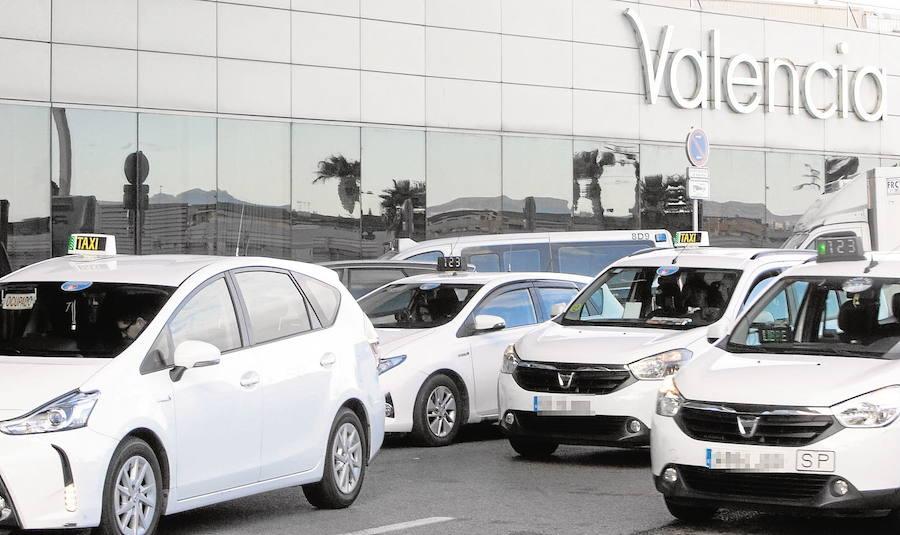 Manises aclara la situación actual de la pasarela del aeropuerto
