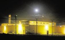 Una funcionaria en prácticas vigila sola un módulo con 120 hombres en la cárcel de Picassent