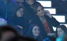 Ada Colau, una espectadora más en la final de 'Operación Triunfo'