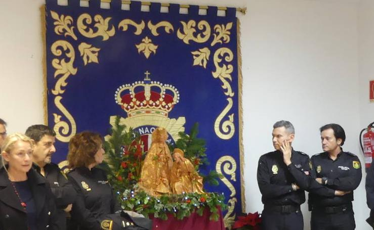 La Policía presenta un nacimiento con la Virgen de los Desamparados como protagonista