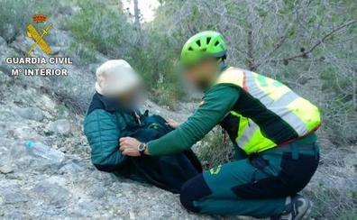 La Guardia Civil encuentra a una mujer de 91 años desaparecida desde la tarde del sábado en una zona montañosa de Orihuela