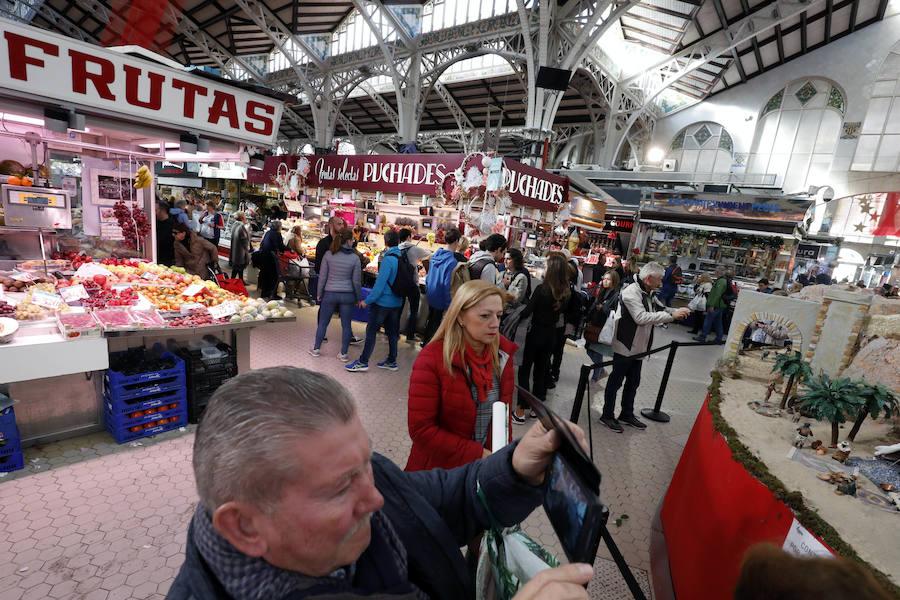 La Navidad rescata los mercados de Valencia