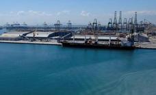 Buceadores de la Armada desactivan un proyectil en el Puerto de Valencia
