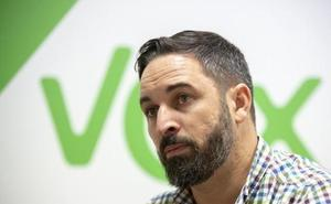 Vox pone al PP contra las cuerdas con una propuesta que recorta la autonomía andaluza