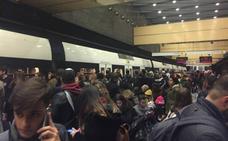 Aglomeraciones en el metro de Valencia por la huelga