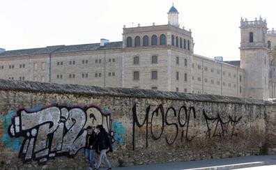 El vandalismo se ceba con el entorno protegido de San Miguel de los Reyes