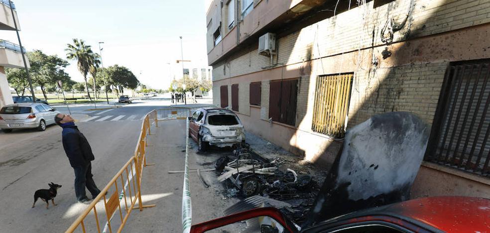¿Qué hacer si queman tu coche en la calle?