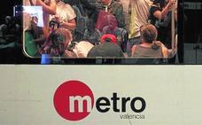 Horario especial de metro y tranvía por el partido Levante-Barcelona