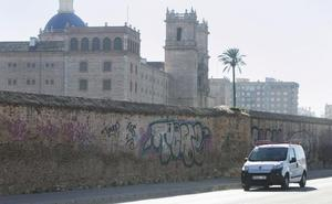 El Consistorio investiga la propiedad del muro junto a San Miguel de los Reyes