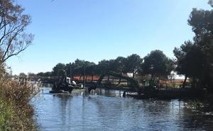 Catarroja inicia el dragado del Port para mejorar el agua y la fauna