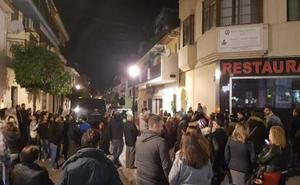 Mata a puñaladas a su expareja en Fuengirola delante de su hijo de 16 años, también herido