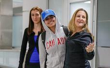 La joven que huyó de Arabia Saudí llega a Canadá tras recibir asilo
