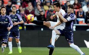 Alcaraz agudiza la depresión del Valencia