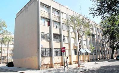 Más de 800 viviendas del parque público de la Generalitat están ocupadas ilegalmente