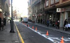 El Consistorio segrega el carril bus de Ángel Guimerà
