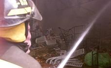 Incendio industrial en una planta de reciclaje de San Antonio de Benagéber