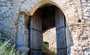 La fortaleza de los Cruïlla, un palacio noble bajo la apariencia de castillo Templario