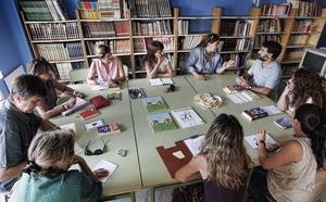Arranca el primer club de lectura de novela negra de las bibliotecas municipales de Valencia