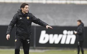 Marcelino: «Si no fichamos un hombre de ataque, estaríamos en dificultad»