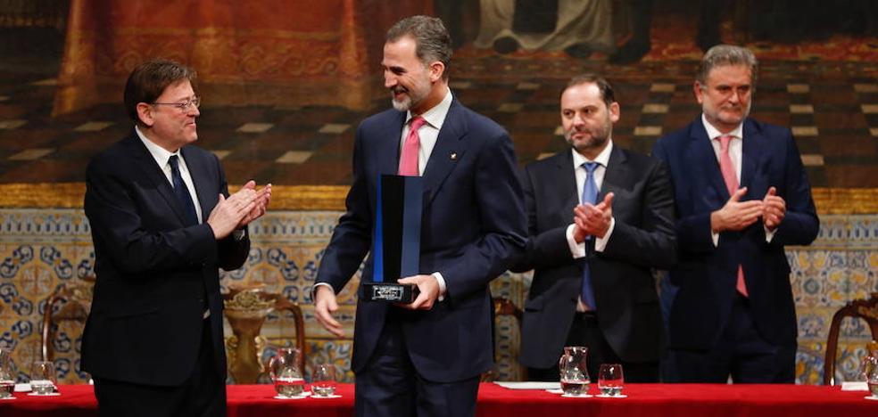 El Rey advierte en Valencia de que la convivencia en España es «frágil», pero que «no nos podemos permitir perderla» y que debe ser cuidada