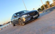 Mazda6 Sedán: Avances para seguir al día