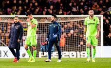 La lesión de Postigo obliga al Levante a fichar un central este mes