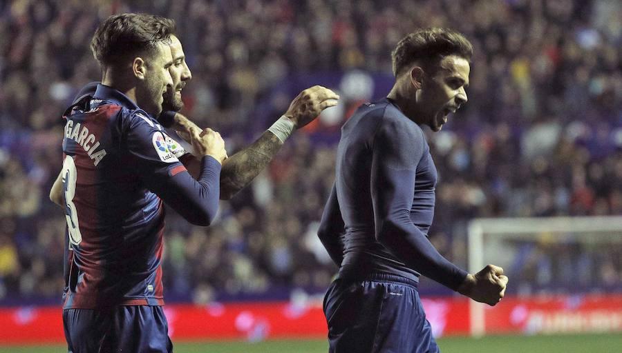 Fotos del Levante UD 2-0 Real Valladolid