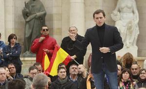 Albert Rivera presenta en Valencia su alternativa moderada contra el nacionalismo del tripartito